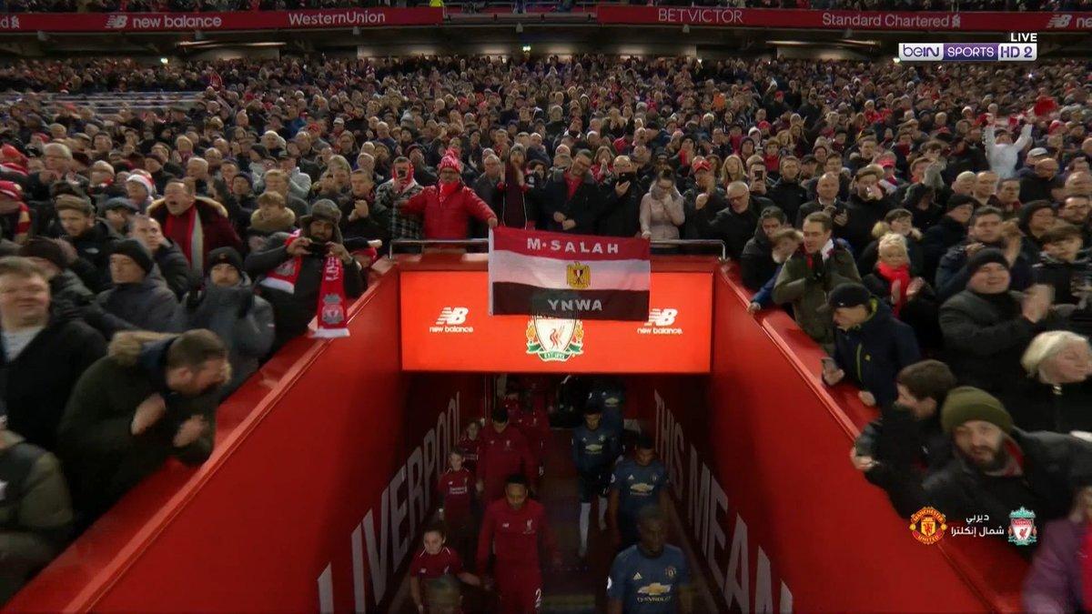 علم مصر فى مباراة ليفربول ومانشستر يونايتد