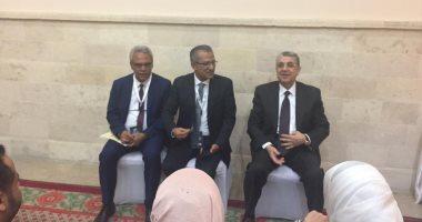 الدكتور محمد شاكر وزير الكهرباء والطاقة المتجددة خلال المؤتمر