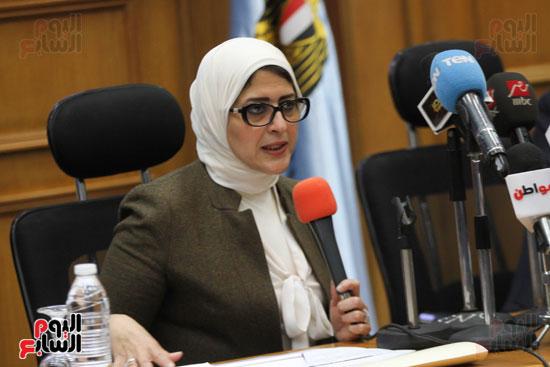 طارق شوقى وزير التعليم  وهالة زايد وزيرة الصحه (2)
