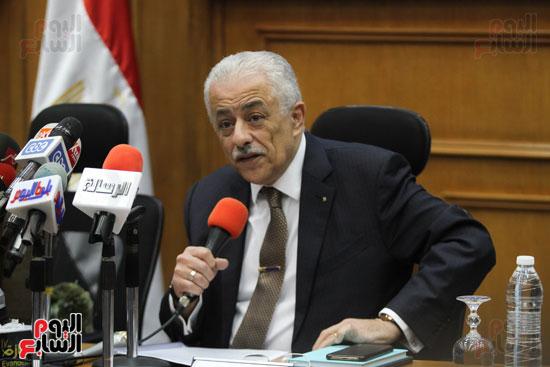 طارق شوقى وزير التعليم  وهالة زايد وزيرة الصحه (1)
