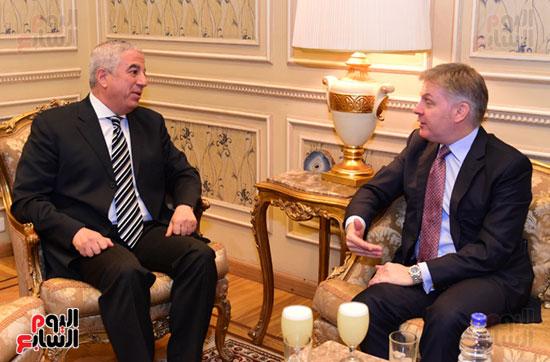 النائب كريم درويش والسفير الكندى جيس داتون (4)