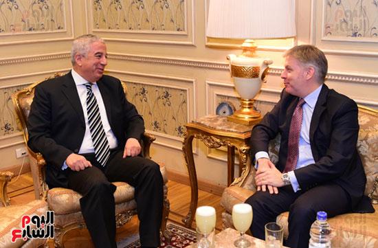 النائب كريم درويش والسفير الكندى جيس داتون (2)
