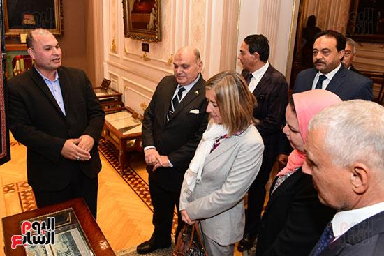 كمال عامر رئيس لجنة الدفاع والأمن القومى بمجلس النواب يستقبل نائب رئيس مجلس الشيوخ الفرنسى (9)