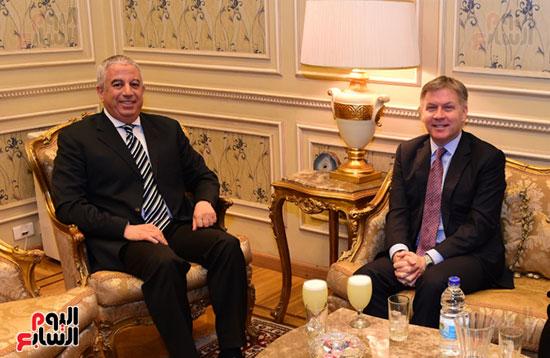 النائب كريم درويش والسفير الكندى جيس داتون (3)