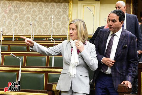 كمال عامر رئيس لجنة الدفاع والأمن القومى بمجلس النواب يستقبل نائب رئيس مجلس الشيوخ الفرنسى (13)