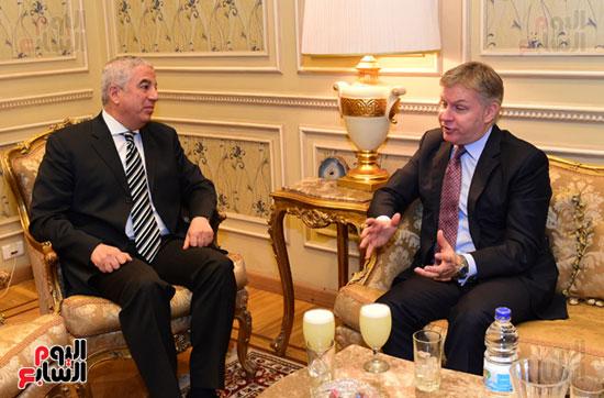 النائب كريم درويش والسفير الكندى جيس داتون (1)