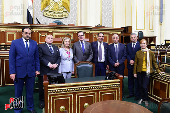 كمال عامر رئيس لجنة الدفاع والأمن القومى بمجلس النواب يستقبل نائب رئيس مجلس الشيوخ الفرنسى (14)