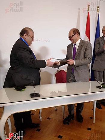 حسن راتب التعاون بين جامعتى العاصمة وميدول يمنح الخريج نفس الدرجة العلمية (7)