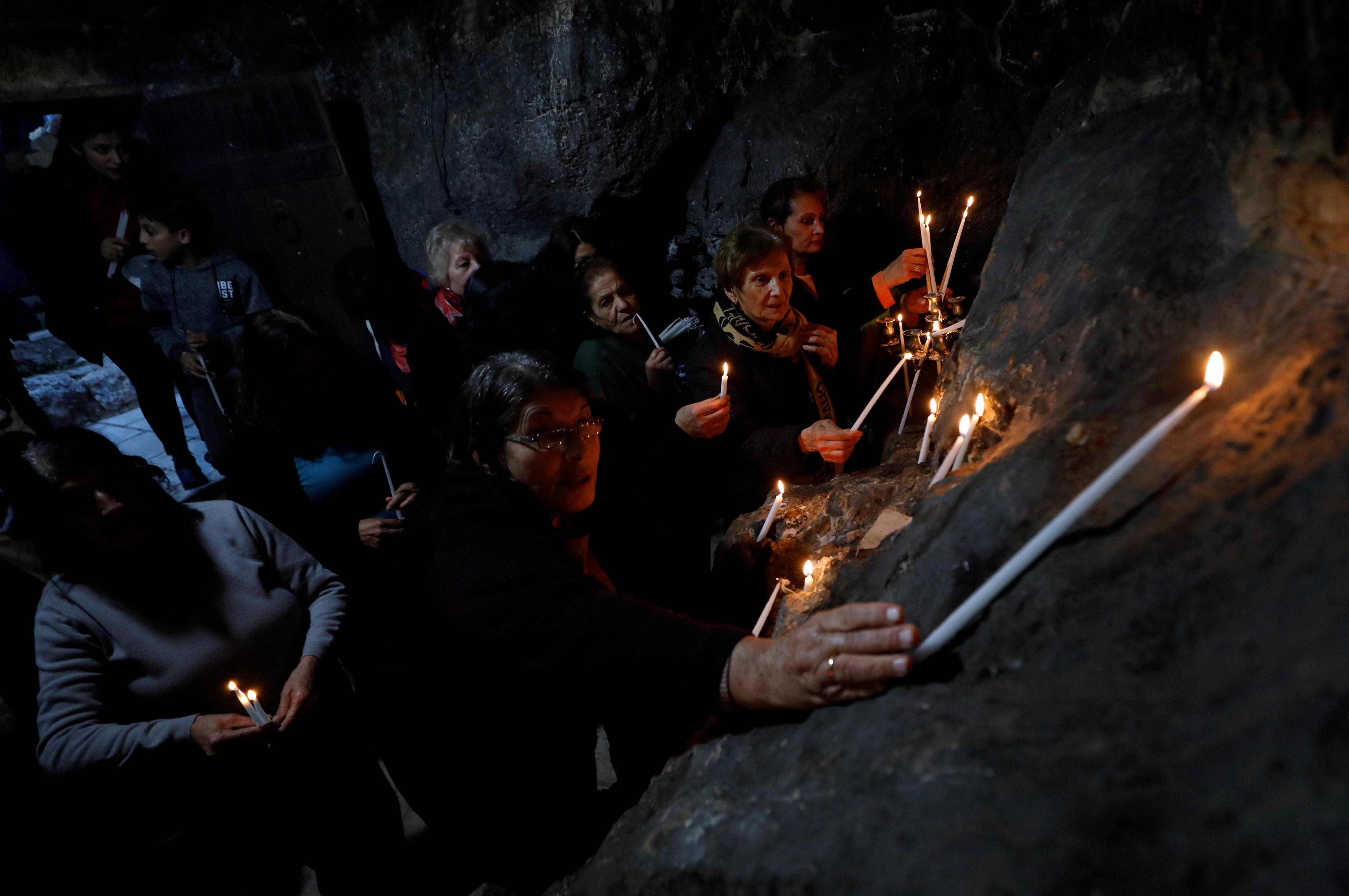 فلسطينيون يحتفلون بقرية عبود