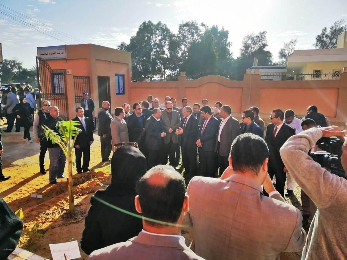 زيارة وزير التنمية المحلية للفيوم (7)