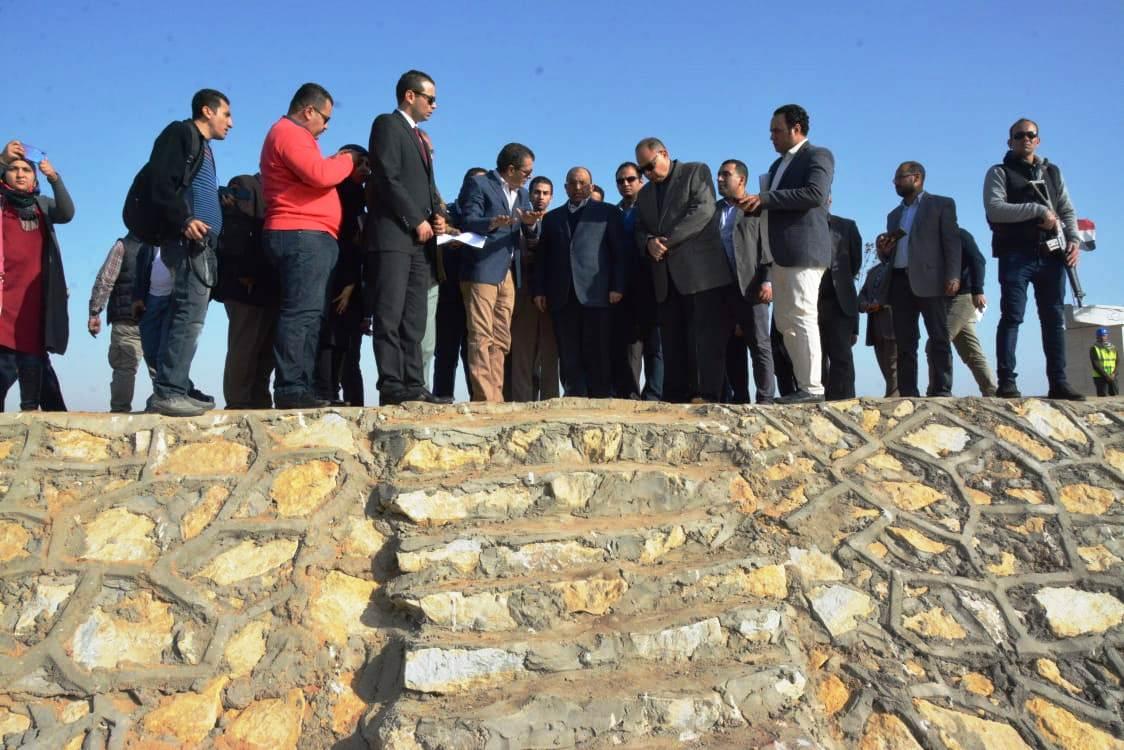 زيارة وزير التنمية المحلية للفيوم (14)
