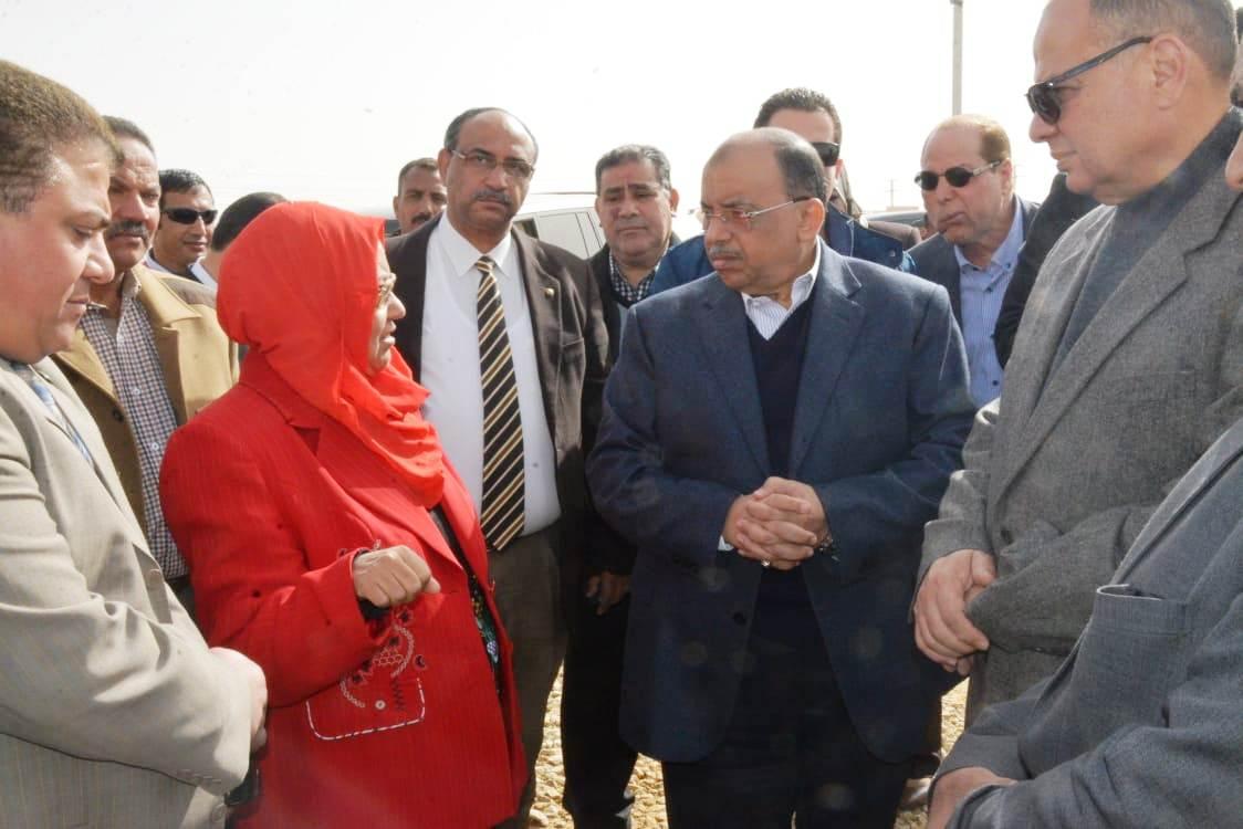 زيارة وزير التنمية المحلية للفيوم (5)