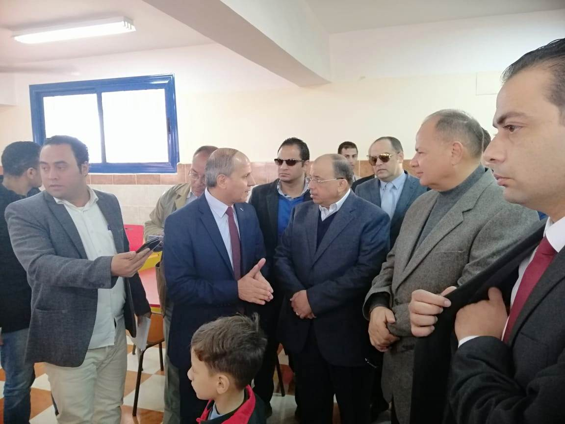 زيارة وزير التنمية المحلية للفيوم (8)