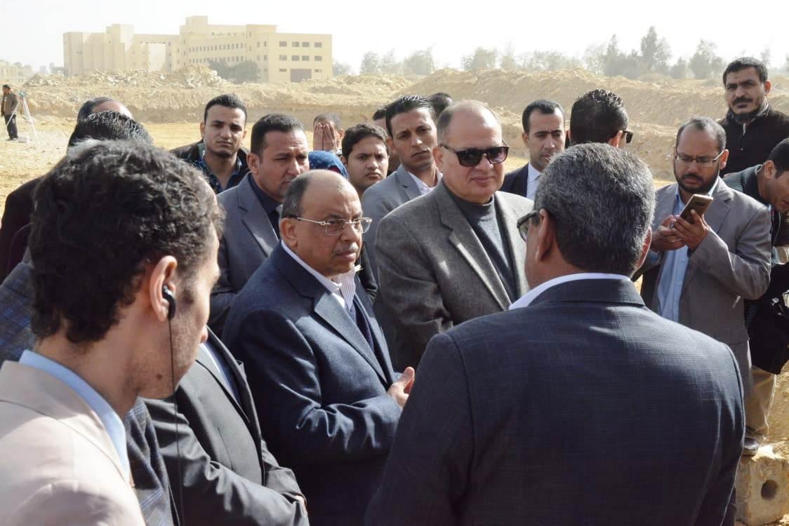 زيارة وزير التنمية المحلية للفيوم (4)
