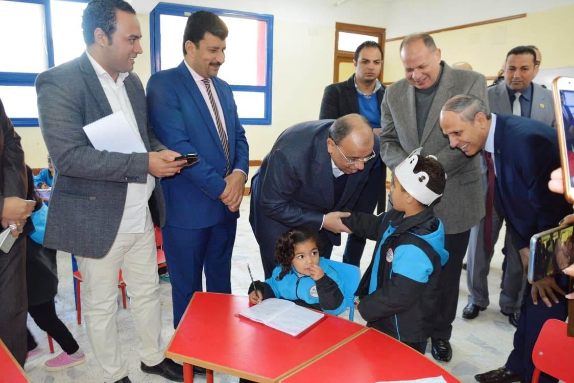 زيارة وزير التنمية المحلية للفيوم (11)