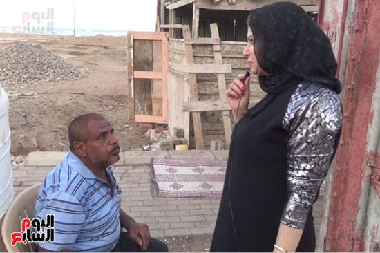 عم حسن نازح من الحديدة يصف مرارة العيش تحت حكم الميليشيا