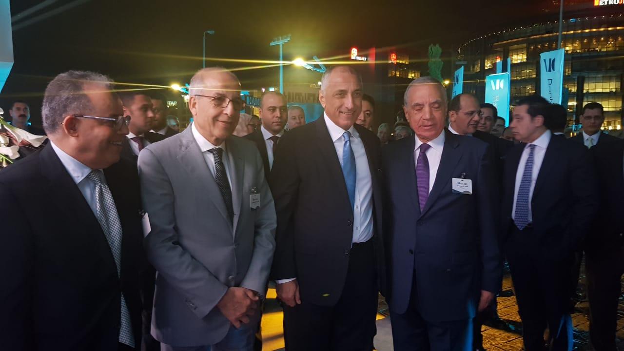 أكرم تيناوى رئيس بنك ABC مصر وفارو العقدة
