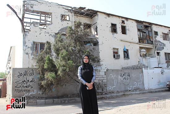 64345-مازالت-المبانى-السكنية-بخور-مكسر-تحمل-آثارالقصف-الحوثى--وقد-هجرها-الأهالى