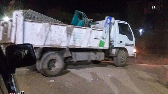 حملة إشغالات ليلية على المقاهى المخالفة بمدينة العياط (6)