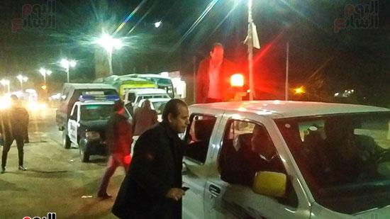 حملة إشغالات ليلية على المقاهى المخالفة بمدينة العياط (3)