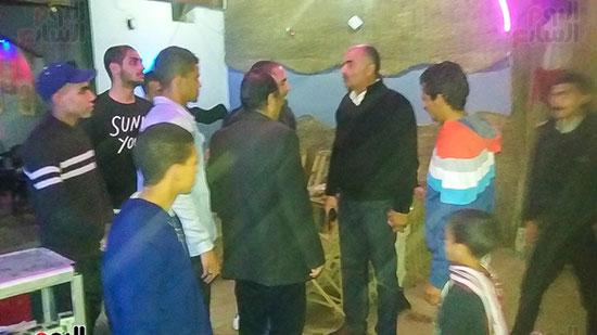 حملة إشغالات ليلية على المقاهى المخالفة بمدينة العياط (5)