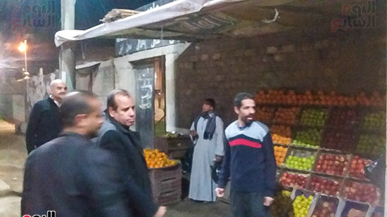 حملة إشغالات ليلية على المقاهى المخالفة بمدينة العياط (7)