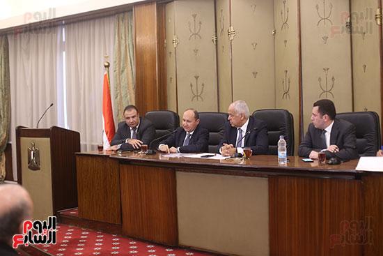 لجنة الصناعة (6)