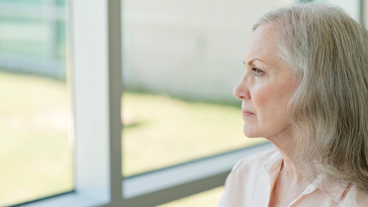 مرض الزهايمر هو أحد الأسباب الرئيسية لفقدان الذاكرة