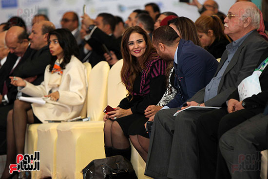 مؤتمر أخبار اليوم الاقتصادي الخامس جلسة الاستثمار فى سيناء (20)