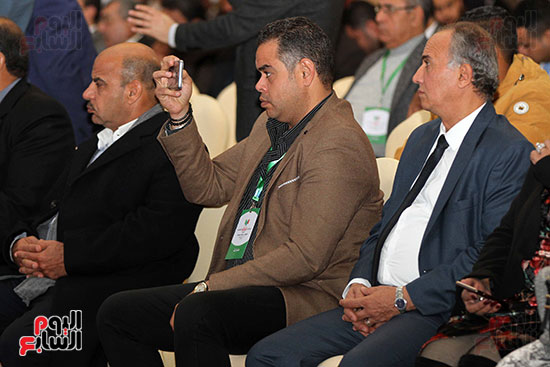 مؤتمر أخبار اليوم الاقتصادي الخامس جلسة الاستثمار فى سيناء (19)