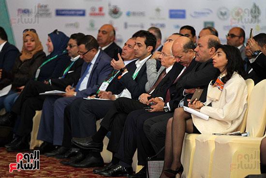 مؤتمر أخبار اليوم الاقتصادي الخامس جلسة الاستثمار فى سيناء (21)