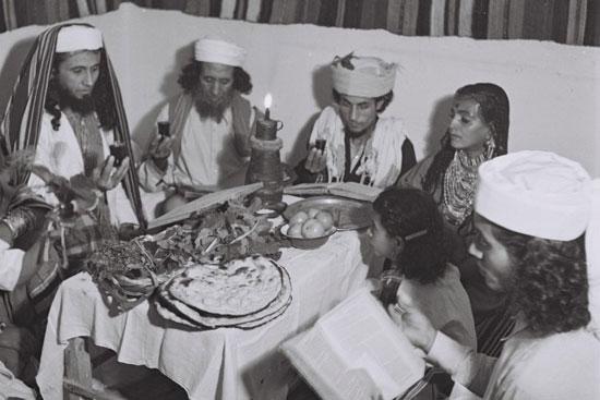 عائلة حبانى اليهودية اليمنية تحتفل بعيد الفصح فى إسرائيل