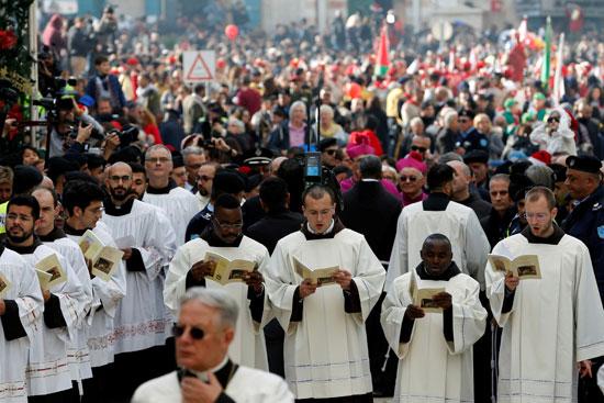 صور حشود المسيحيين فى بيت لحم (6)