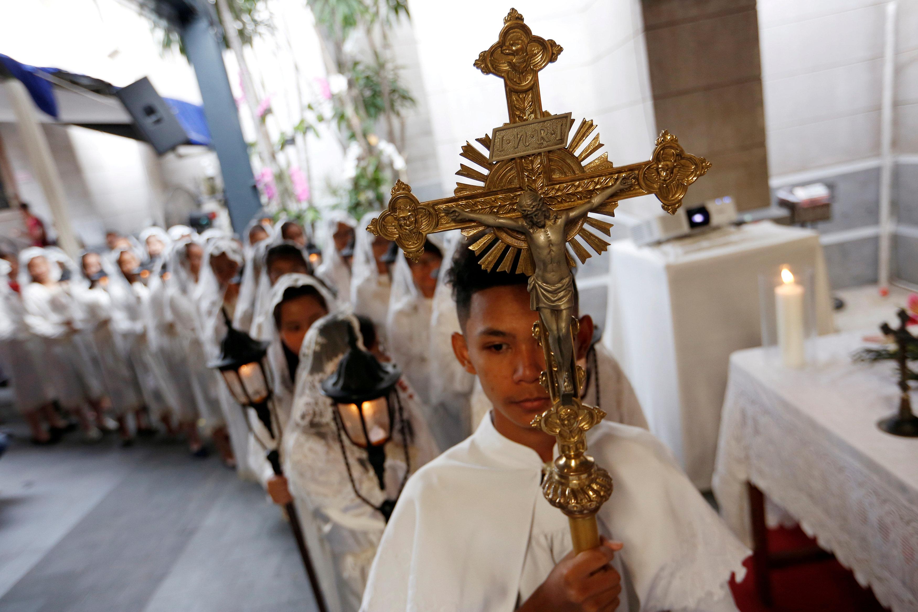 احتفالات المسيحيين فى إندونيسيا