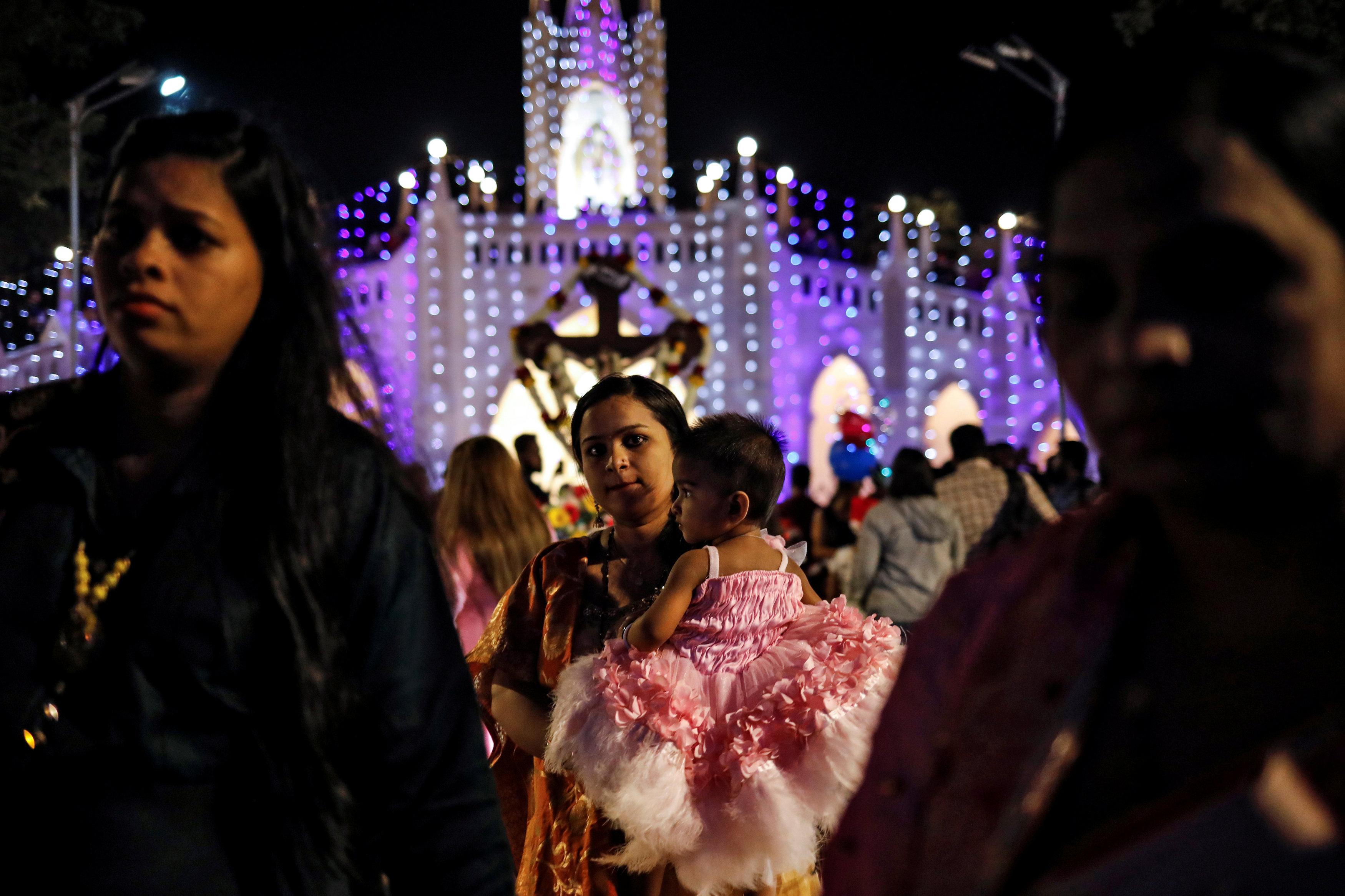جانب من احتفالات أعياد الميلاد فى الهند