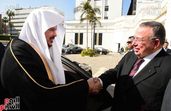 على عبد العال ورئيس مجلس الشورى الس