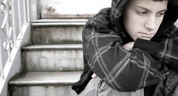 اعراض اكتئاب المراهقين