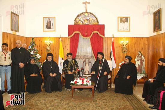 البابا تواضروس فى بطريركية الأقباط الكاثوليك للتهنئة بعيد الميلاد (15)
