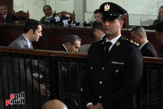 حسنى مبارك قضية اقتحام السجون (79)