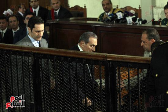 حسنى مبارك قضية اقتحام السجون (78)