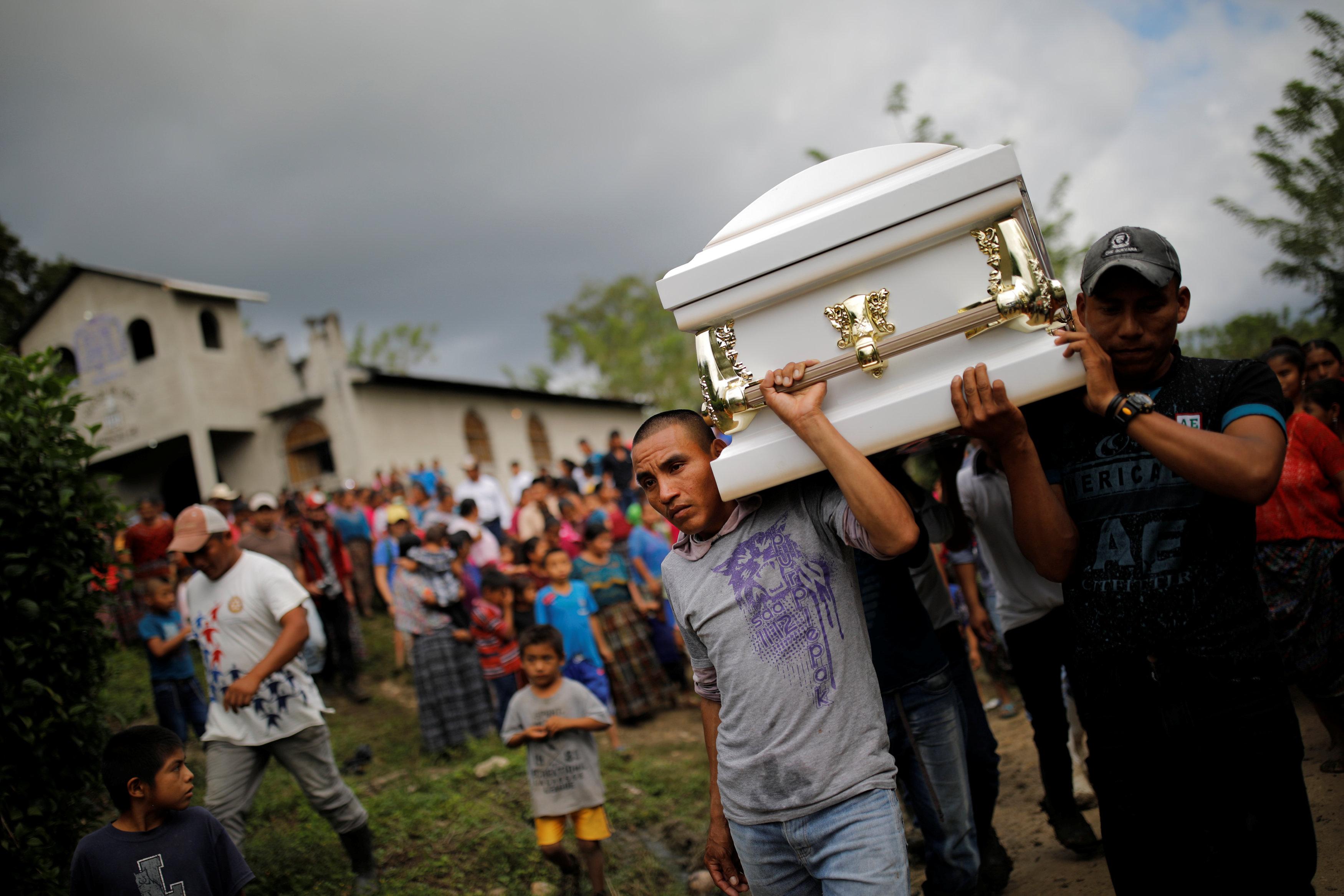جنازة الطفلة