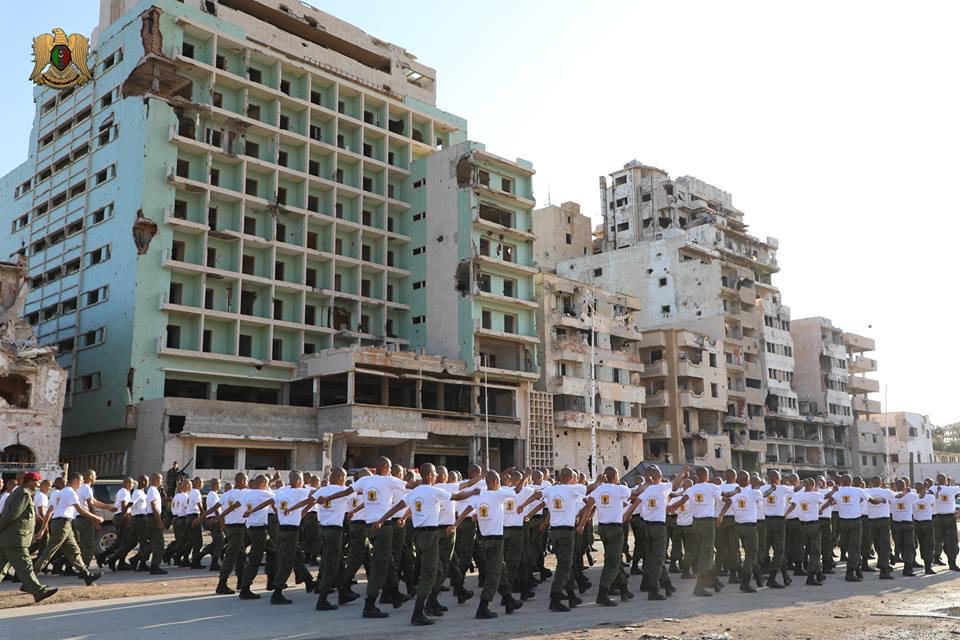 جنود الجيش الليبى ينتشرون فى بنغازى