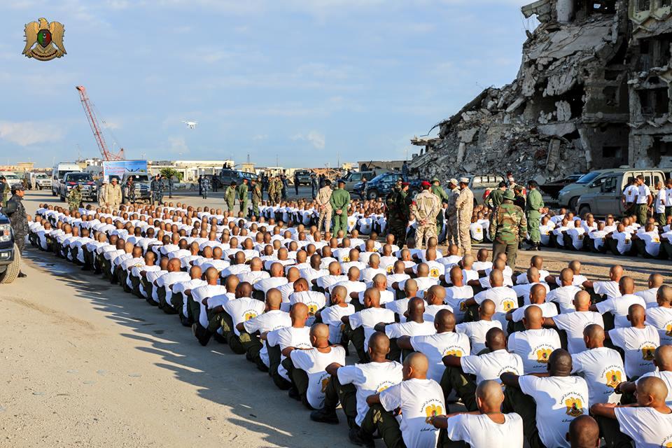قوات الجيش الوطنى تنتشر فى شوارع بنغازي