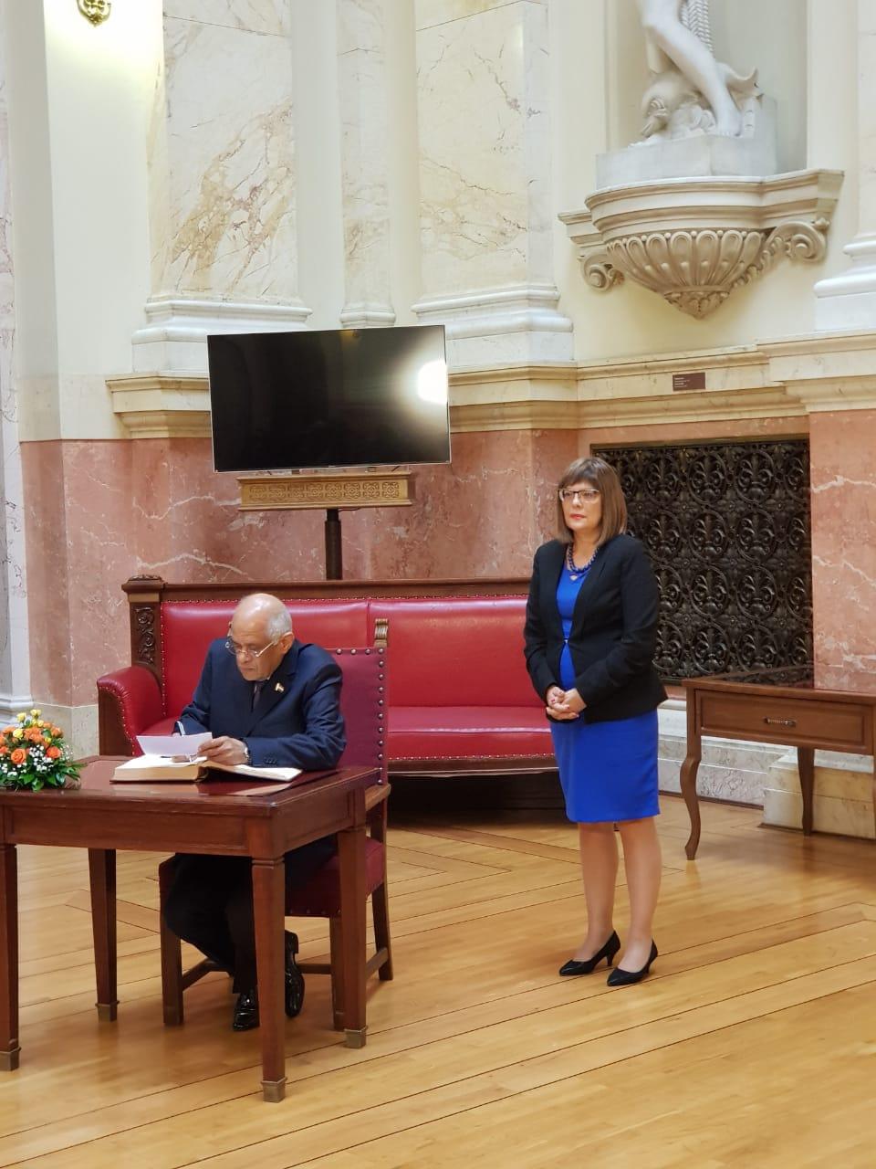 كتور-على-عبد-العال-رئيس-مجلس-النواب-يزور-البرلمان-الصربى-(4)