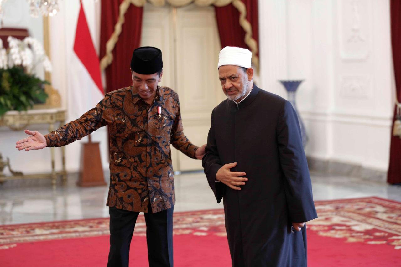 3- شيخ الازهر ورئيس اندونيسيا
