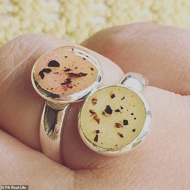 خاتم مصنوع من الحبل السري لأطفال سام