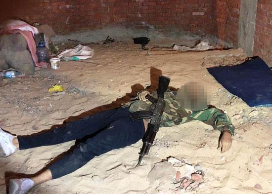 الداخلية تداهم 3 أوكار إرهابية بالجيزة وشمال سيناء وتقتل 40 تكفيريا (3)
