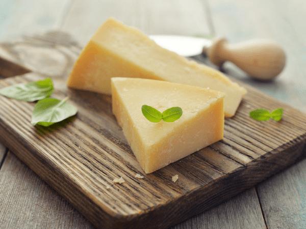 اللبن والجبن