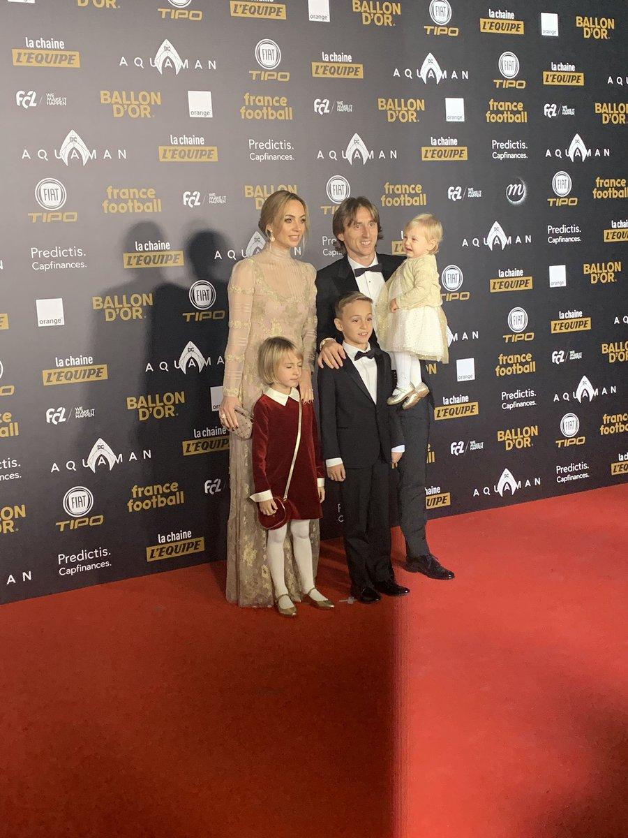 مودريتش وعائلته فى الحفل