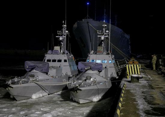 سفن-أوكرانية-تحتجزها-روسيا-(5)